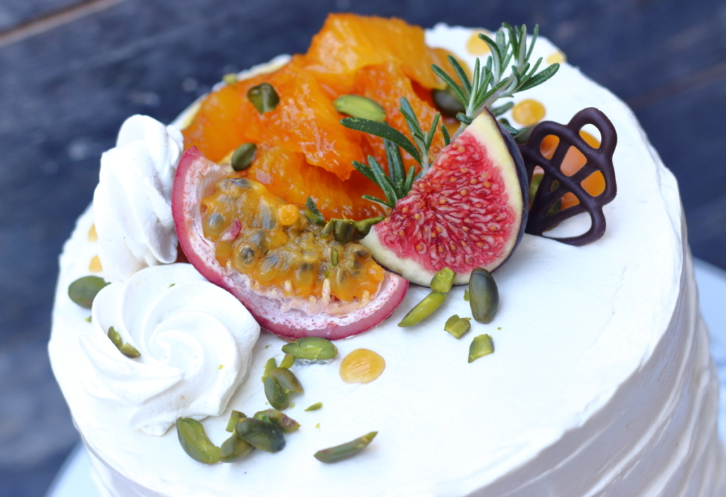Elegant cake with pistachio and orange